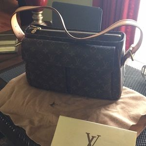 Original Louis Vuitton bag I hardly use it